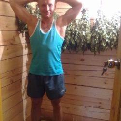 Молодой и горячий парень ищет девушку для секса в Иванове