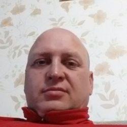 Молодой парень ищет девушку для одной или постоянных встреч в Иванове